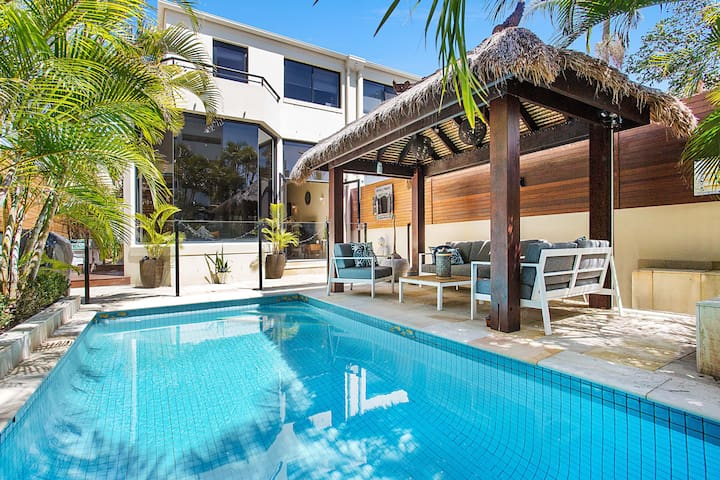 ELITE HOLIDAY HOMES - SECRET HAVEN @ BROADBEACH