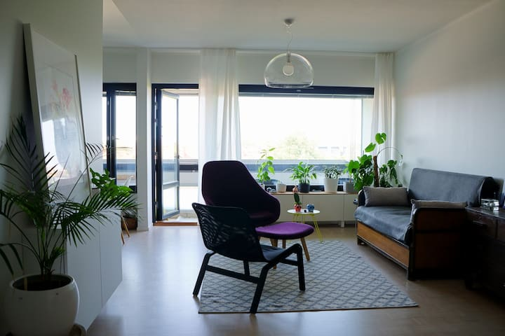 Cozy private room (15m2) in Vallila, in 81m2 apt
