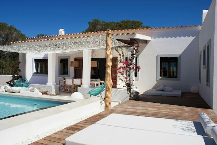 Villa de lujo nueva con piscina privada