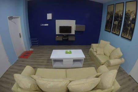 XENIA HOMESTAY - Comfortable, Safe, Clean & Cheap!