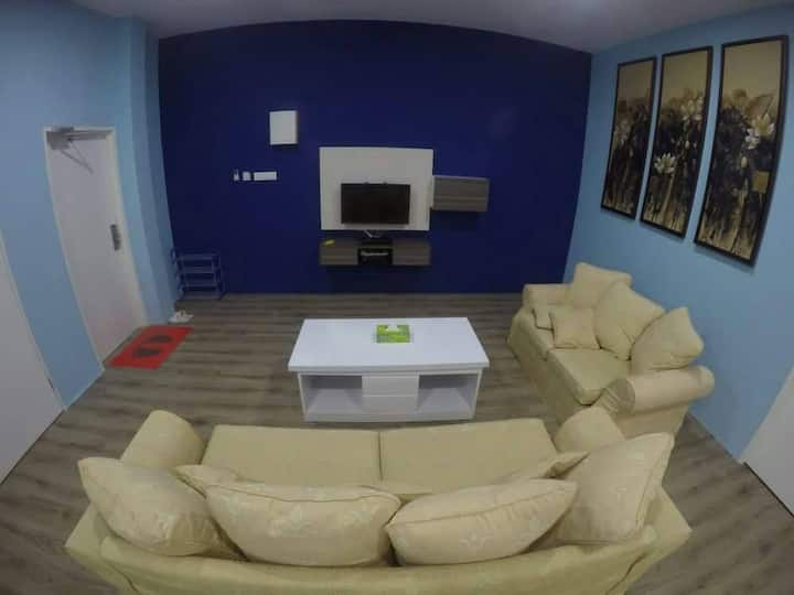 XENIA HOMESTAY - Comfortable, Safe, Clean & Cheap!