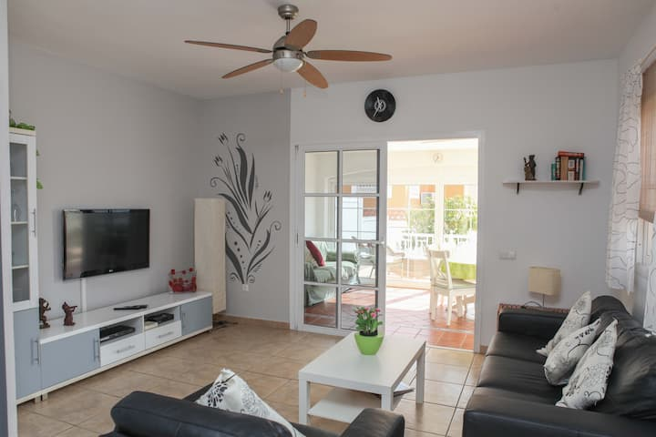 Villa Flora - spacious 3 bedrooms holiday home