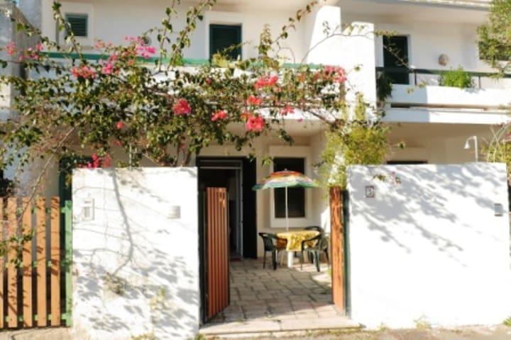 Gallipoli villetta vacanza con giardino