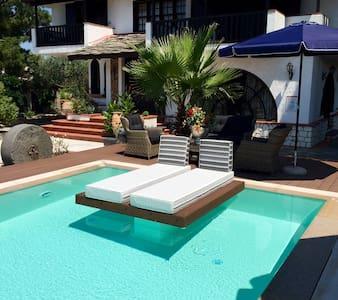 Byblos Luxury Villa & Chateau - Thasos