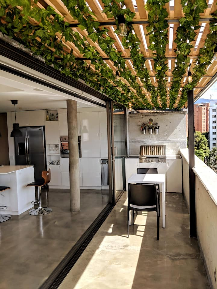 Gorgeous smart loft in El Poblado - amazing view