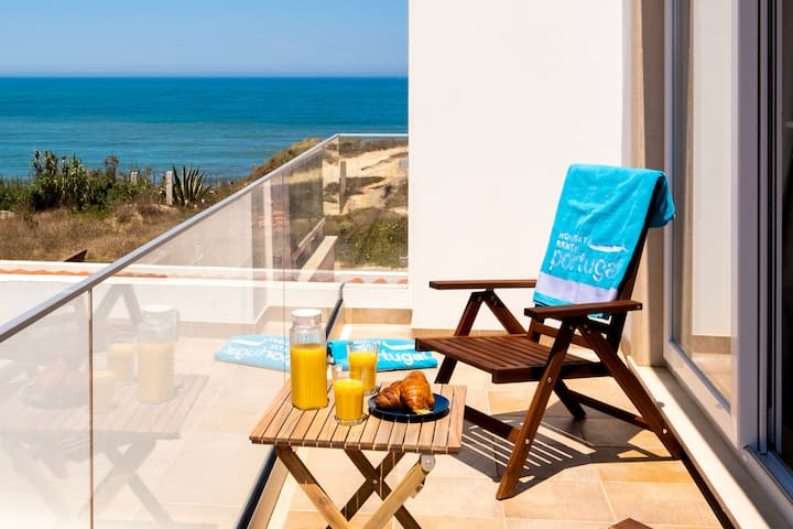Alma do Mar, beach house at Baleal for 6-8 guests