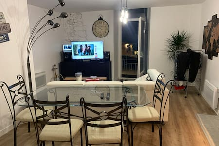 Appartement 80m2 plein centre Villeréal