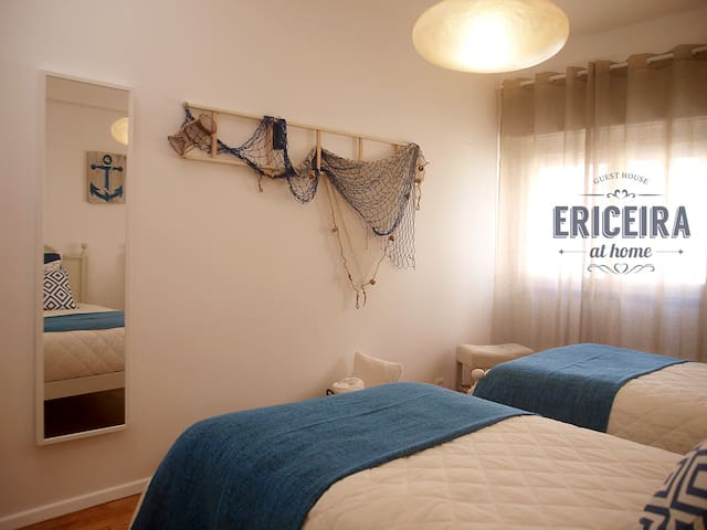 ERICEIRA at home . SEA AIR room