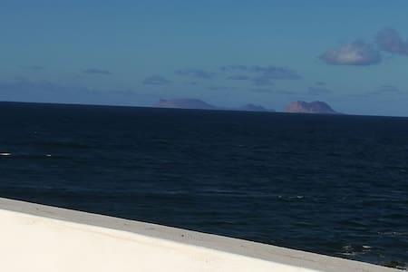 Apartamento con vistas al mar - Caleta de Caballo, Canarias, ES