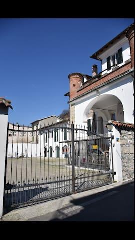 B&B I Templari A 5 Km dall'autlet di Serravalle S. - Gavi - Bed & Breakfast