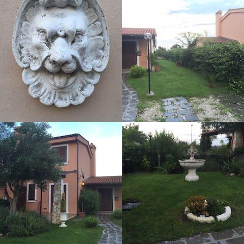 Roma Fiumicino - Aranova - Hus