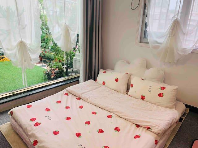 浪漫的气球帘榻榻米,全景落地玻璃阳光房