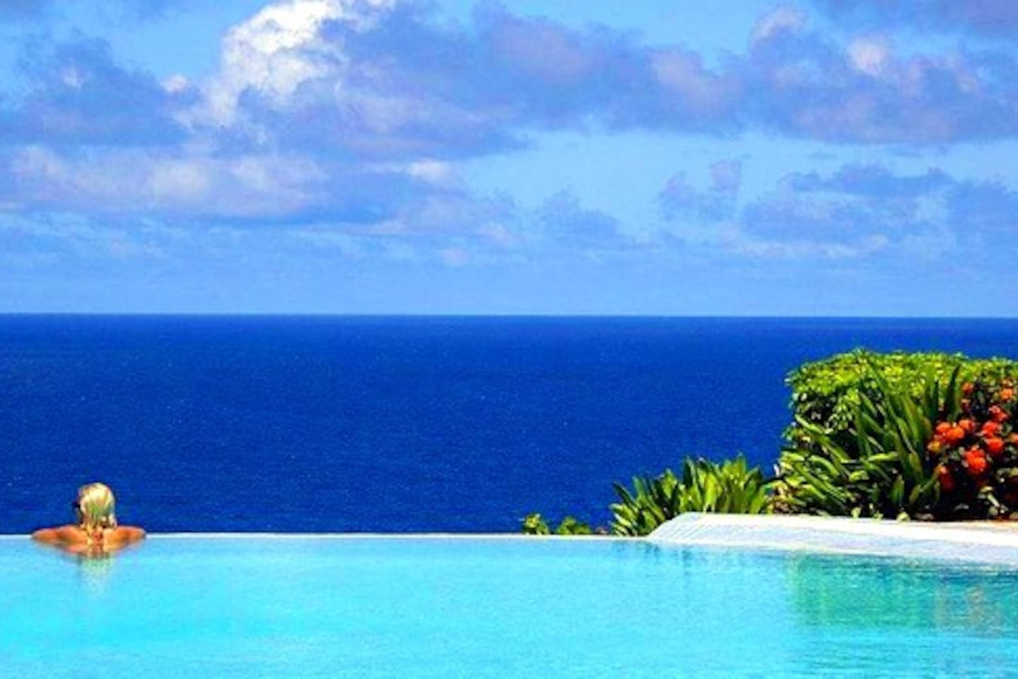 Spectacular Infinity pool overlooking the sea and heated for those balmy Caribbean nights