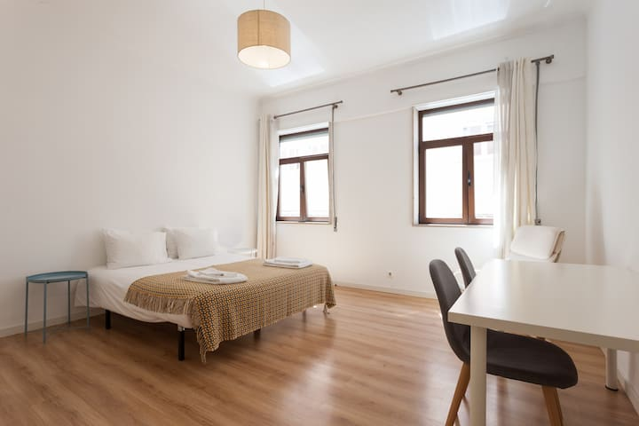 PRIVATE room with DOUBLE BED in the CITY CNETER