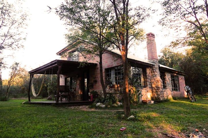 Casa en Nono , comodidad, magia y paz.