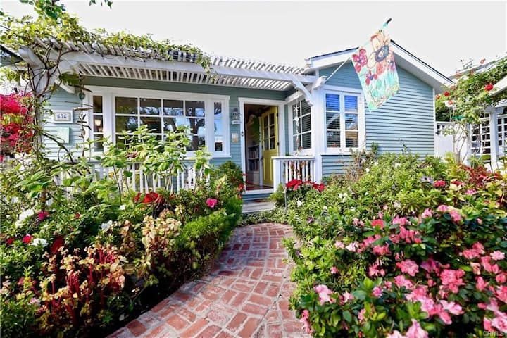LAGUNA Cottage! SPA, 3 Blocks to Bch. parking