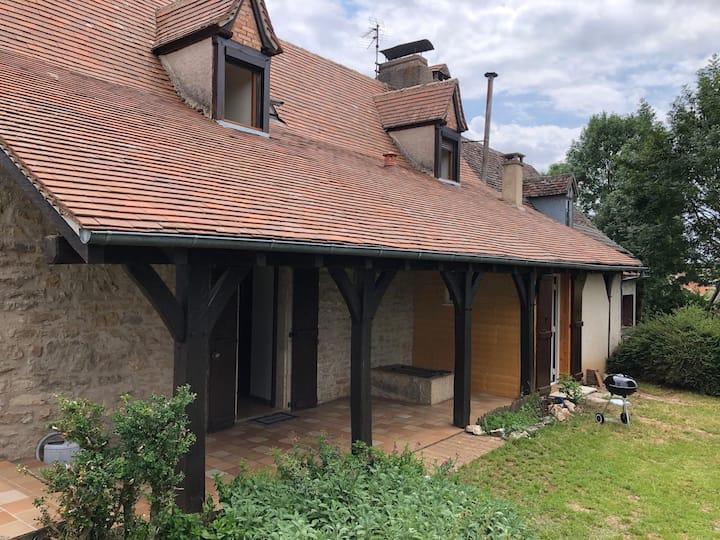 Gramat: maison entière avec jardin