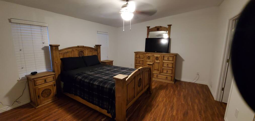 Permanent Roommate $500/mo Furnished Master & bath
