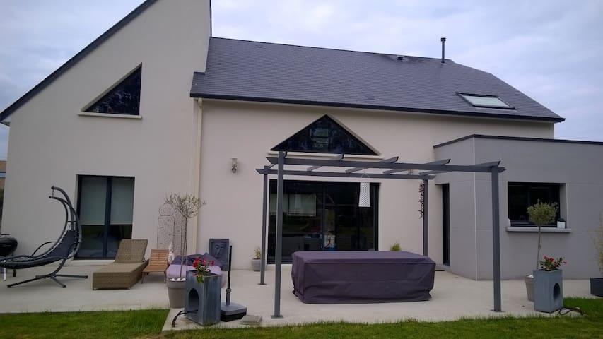 Maison de Campagne proche du Circuit des 24 H. - Spay - บ้าน