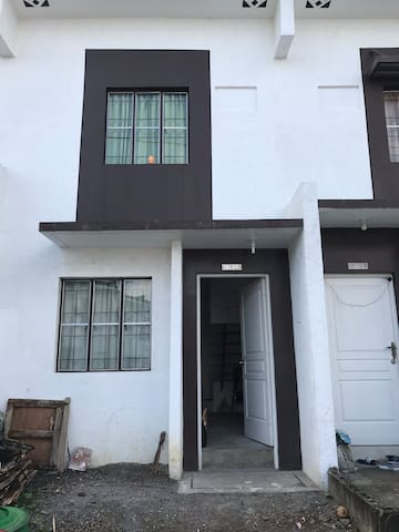 Jane's Vacation Rental - Amaris Homes/Cavite