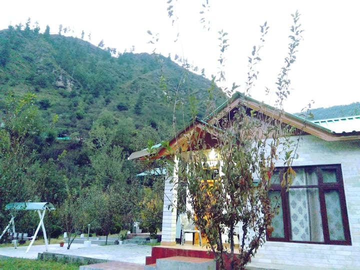Silver Streak Cottage 1 Bedroom near Manali
