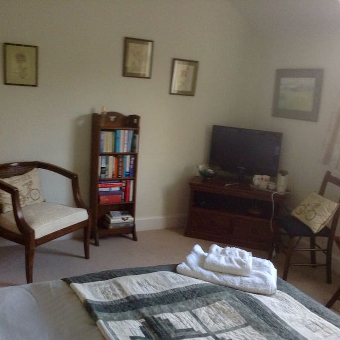 Double bedroom with TV and tea/coffee making facilities