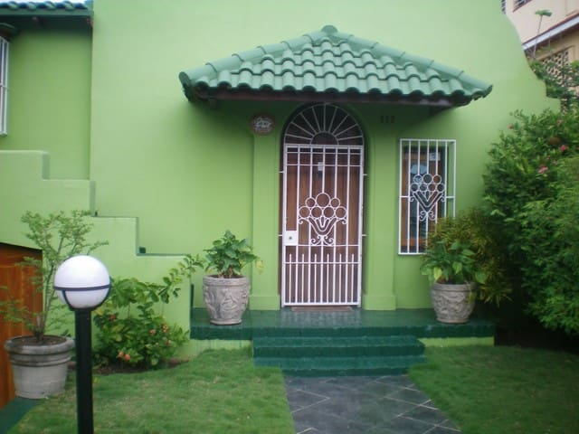 THREE BEDROOM HOUSE FOR RENT HAVANA - La Habana - House