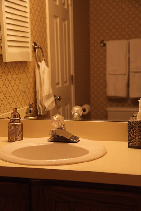 Private Ensuite Bathroom with Essentials (Towels, Shower Gel, Shampoo, Conditioner, Hand Soap, Facial and Toilet Tissue)
