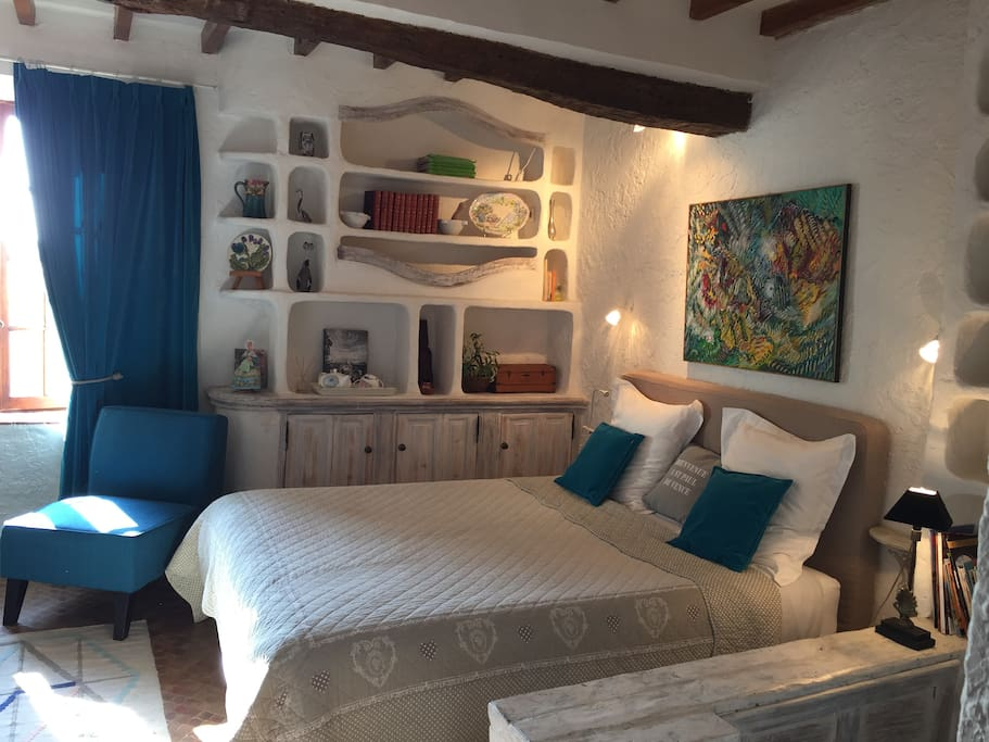 """Lamartine Studio with home made """"niche"""" in the wall"""
