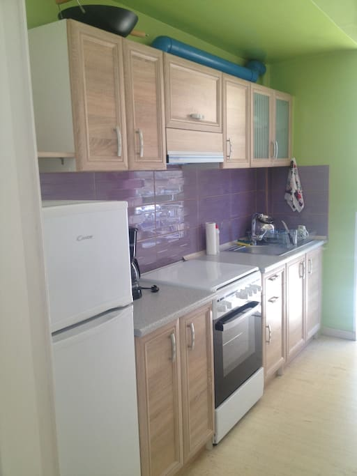 Brand new colorful kitchen, fully functioning!!!