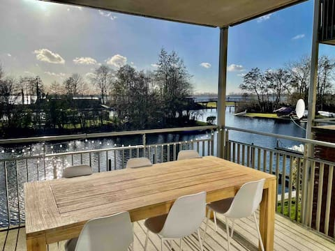 Lake side apartment near Amsterdam