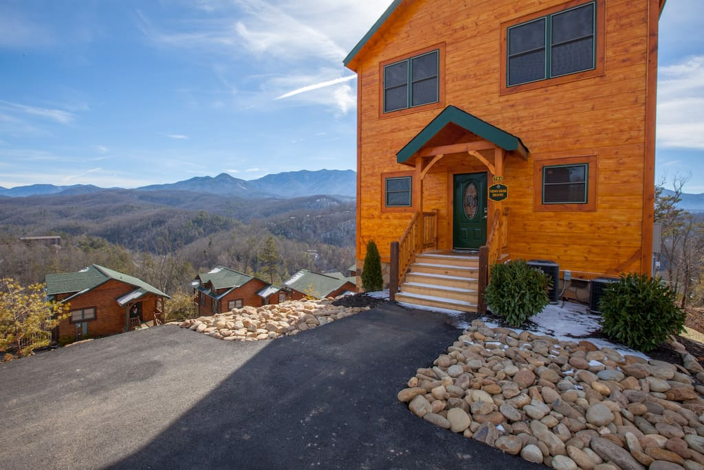 New Gatlinburg 4 Bedroom Cabin W Mountain Views Cabins For Rent In Gatlinburg Tennessee