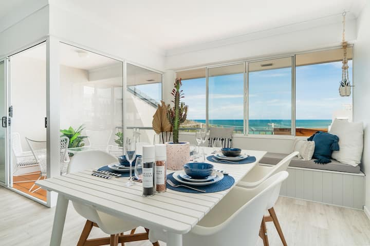 Absolute Beachfront - First Bay Beach - Coolum