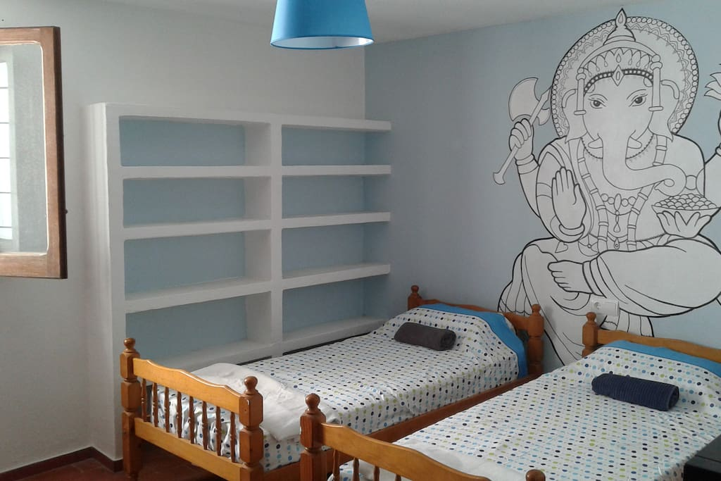 Room tour guide chambres d 39 h tes louer illes for Guide chambre hote