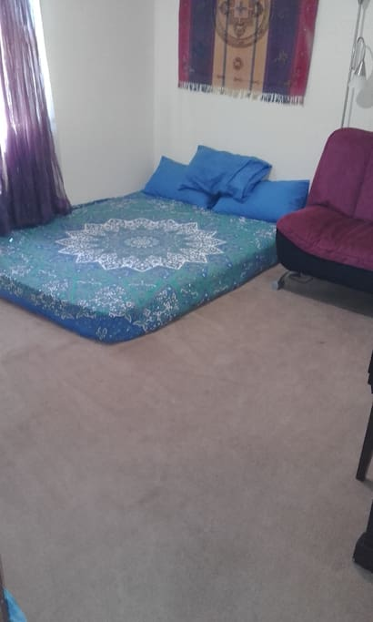 Please note bed is not raised off the floor