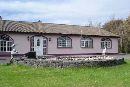 Ponderosa Bed & Breakfast - Louisburgh