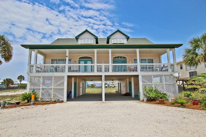 My Friend's Place West - 3BR Duplex only Steps from the Beach!