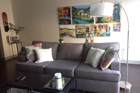 Penthouse Apartment in the Heart of the Pearl - Portland - Apartment