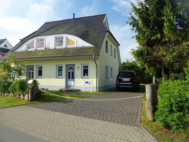 Modernes 95 qm Ferienhaus mit Sauna & Südterasse - Wieck a. Darß