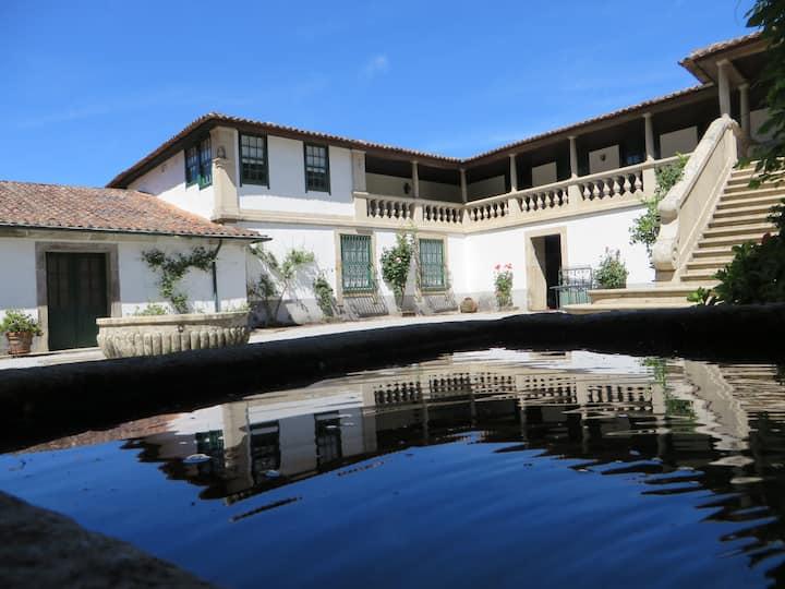 Casa de Piellas - Marvelous manor house with pool