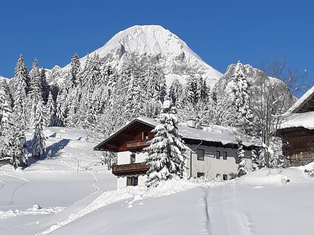 Neues Studio in fantastischer Bergwelt