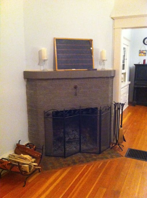Fireplace for your enjoyment. Firewood is not provided so please be sure to bring your own if you are looking forward to a fire.