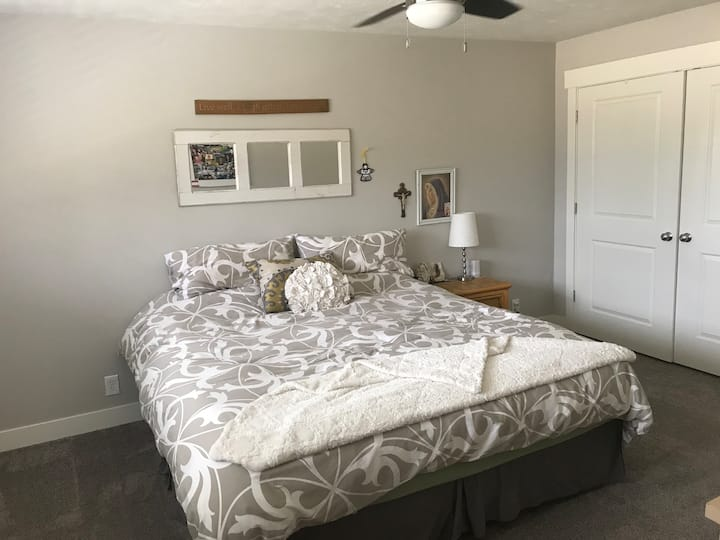 Your Room Away from Home #3 near SLC & Canyons!
