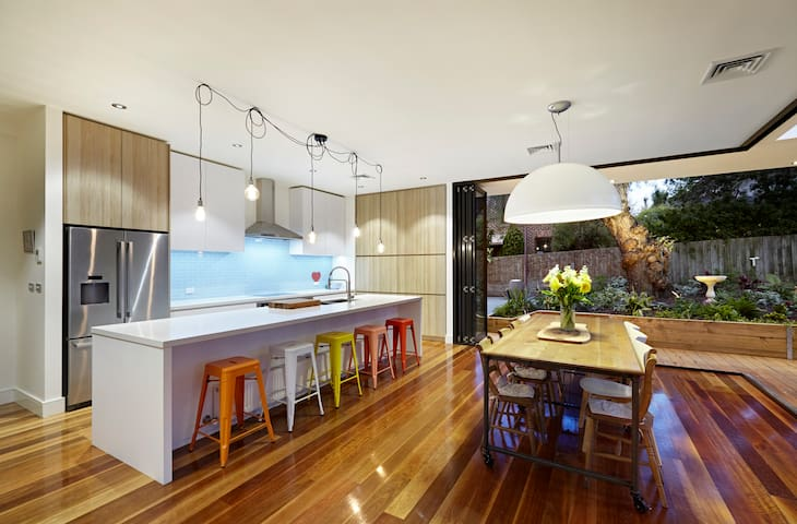 Victorian mansion with luxury space - Camberwell - House