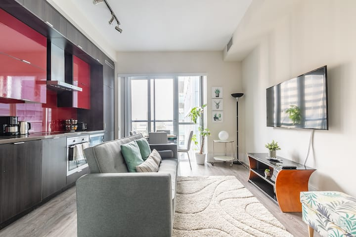PRIME Walk Location - 1BR Luxury Loft with CN Tower Views