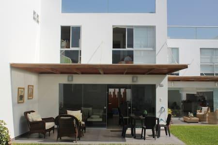 Alq. casa de playa en Asia km 101.5 - Σπίτι
