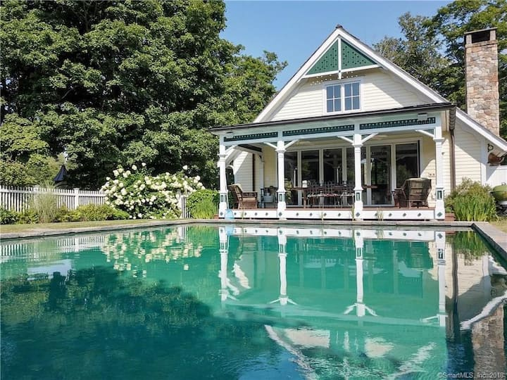 """""""Tophet Pool House Only"""" 1-BR 1BA Private Home"""