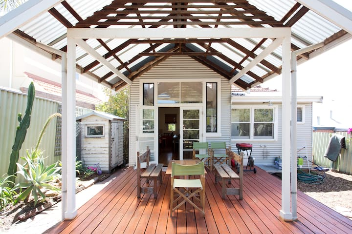 Retro South Fremantle Beach House