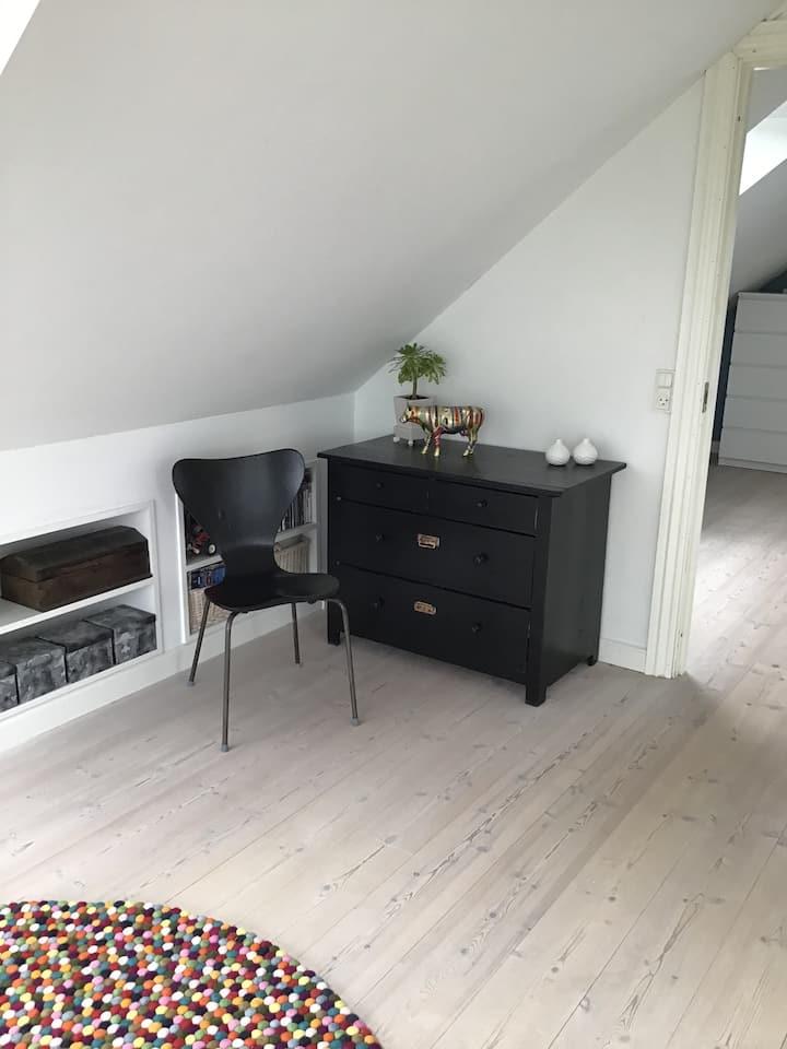Skønt, lyst værelse med udsigt til Flensborg fjord