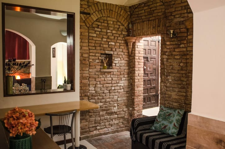 Medieval apartment in the historical center - Bologna - Apartment